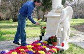 Flowers and Statues for Gravesite Decoration Ideas